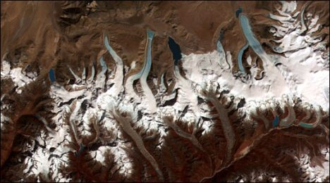 Glacial meltwater lakes left behind by retreating glaciers in the Bhutan-Himalaya. (Image courtesy of Jeffrey Kargel, USGS/NASA JPL/AGU)